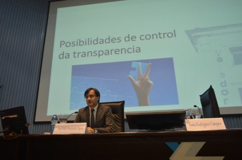 Quen debe controlar a transparencia?  - Curso monográfico: Transparencia, goberno aberto e Administración pública